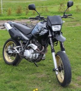 77-moto_1